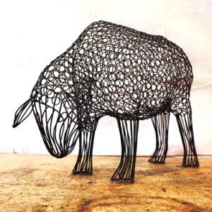 03588-ewe-head-down-steel-wire-sculpture