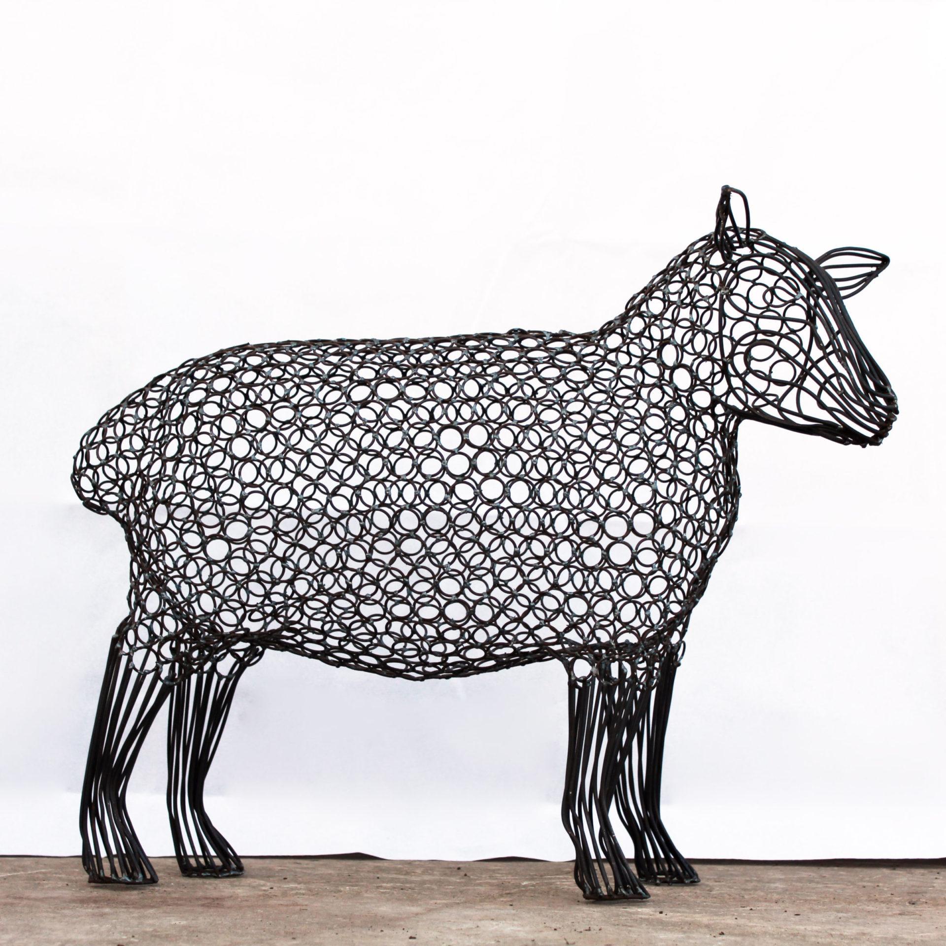 04717-2-ewe-head-up-steel-wire-sculpture